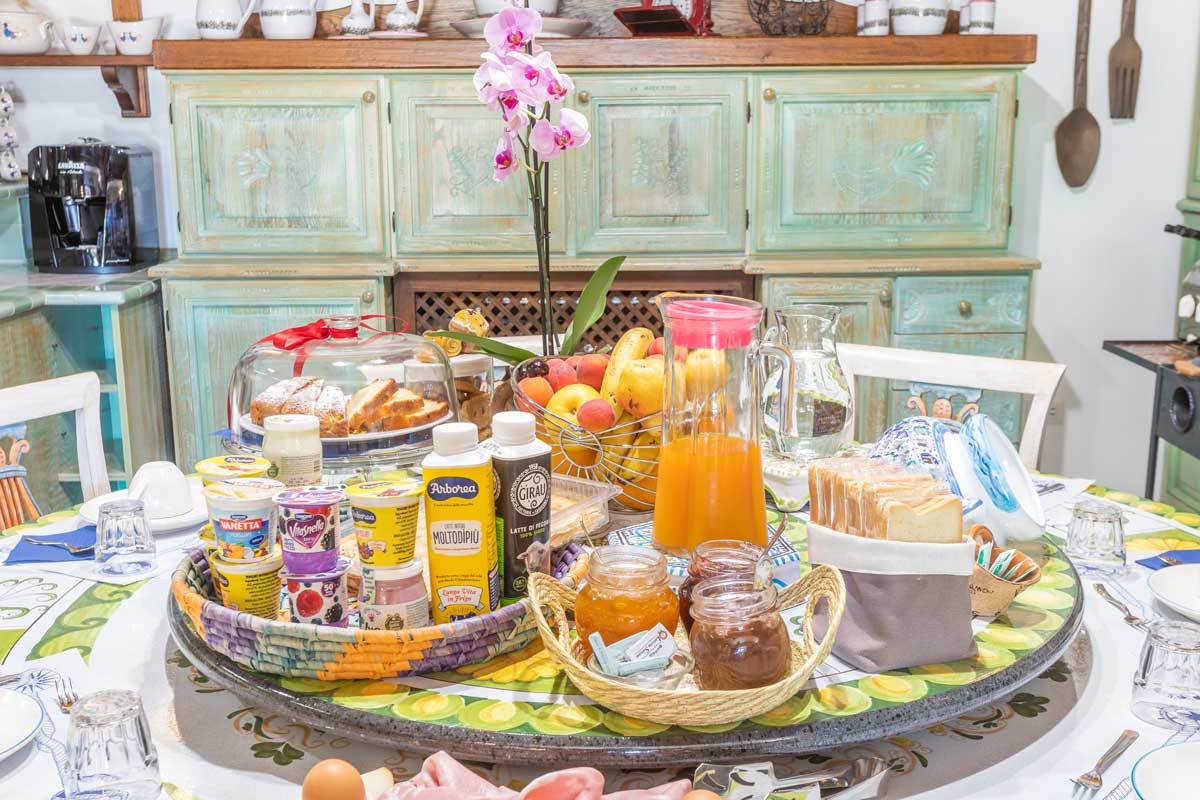 bed-and-breakfast-villa-flumini-colazione-a-buffet