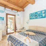 bed-and-breakfast-villa-flumini-camera-celeste-camera-da-letto-matrimoniale