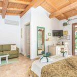 bed-and-breakfast-villa-flumini-camera-verde-camera-da-letto-matrimoniale