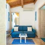 bed-and-breakfast-villa-flumini-camera-blu-divano-letto