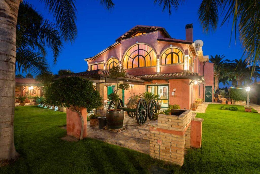 bed-and-breakfast-villa-flumini-night-view