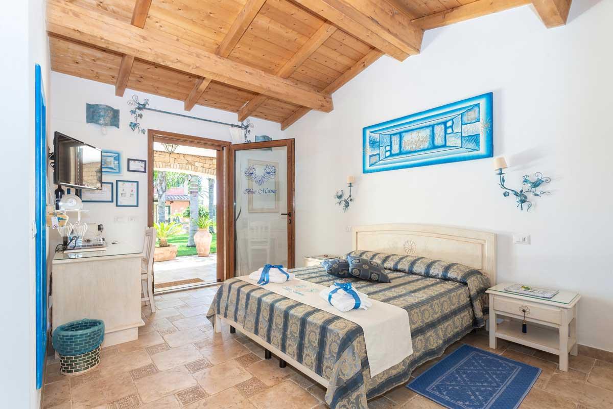 Villa-Flumini-bed-and-breakfast-blue-room